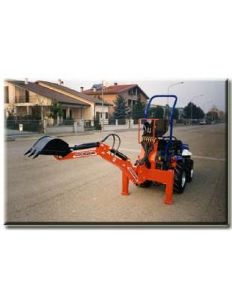 Retro Excavator pentru tractor model E19 ,latime cupa 30cm