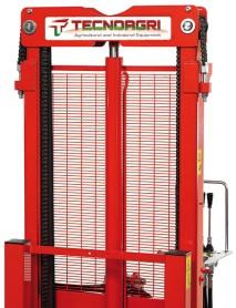 Stivuitor hidraulic pentru tractor Triplex 2510 ,capacitate de ridicare 1000kg