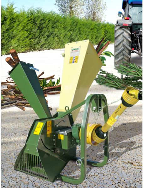 Tocator de crengi R130T actionat de priza tractorului