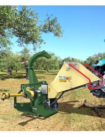 Tocator de crengi R240T actionat de priza tractorului